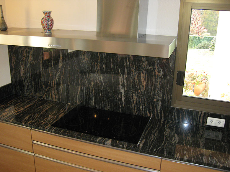 pose de plans de travail en granit marbre pierre naturelle toulouse. Black Bedroom Furniture Sets. Home Design Ideas