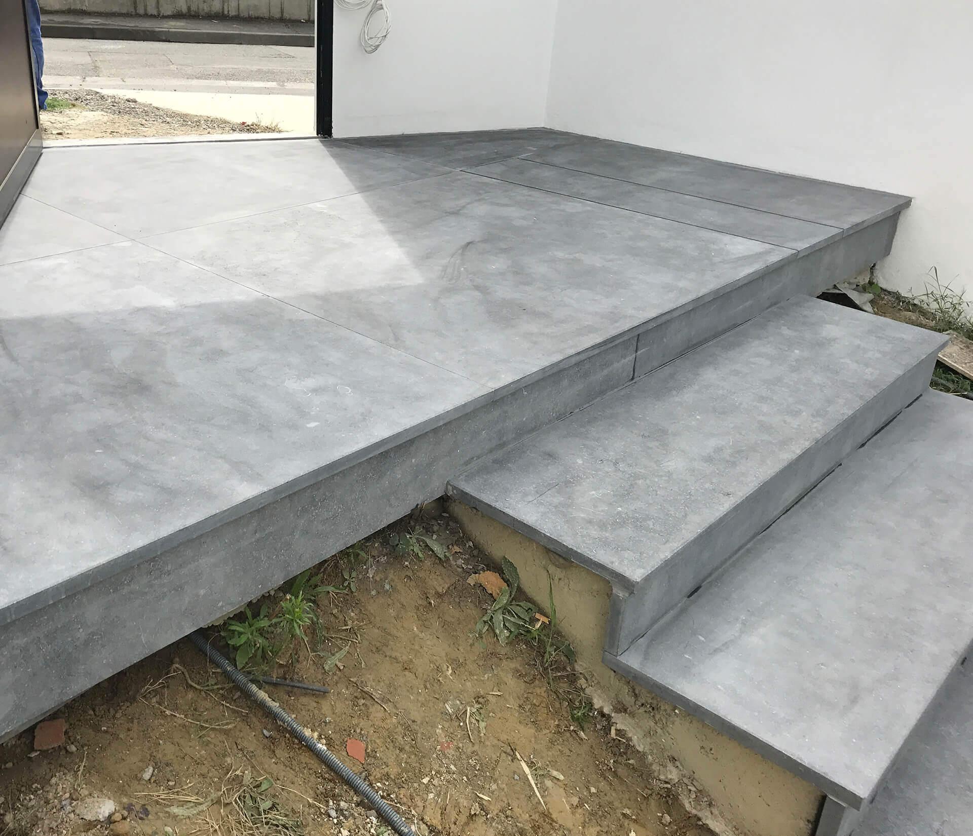 escaliers en pierres naturelles granit marbre gr s pr s de toulouse. Black Bedroom Furniture Sets. Home Design Ideas